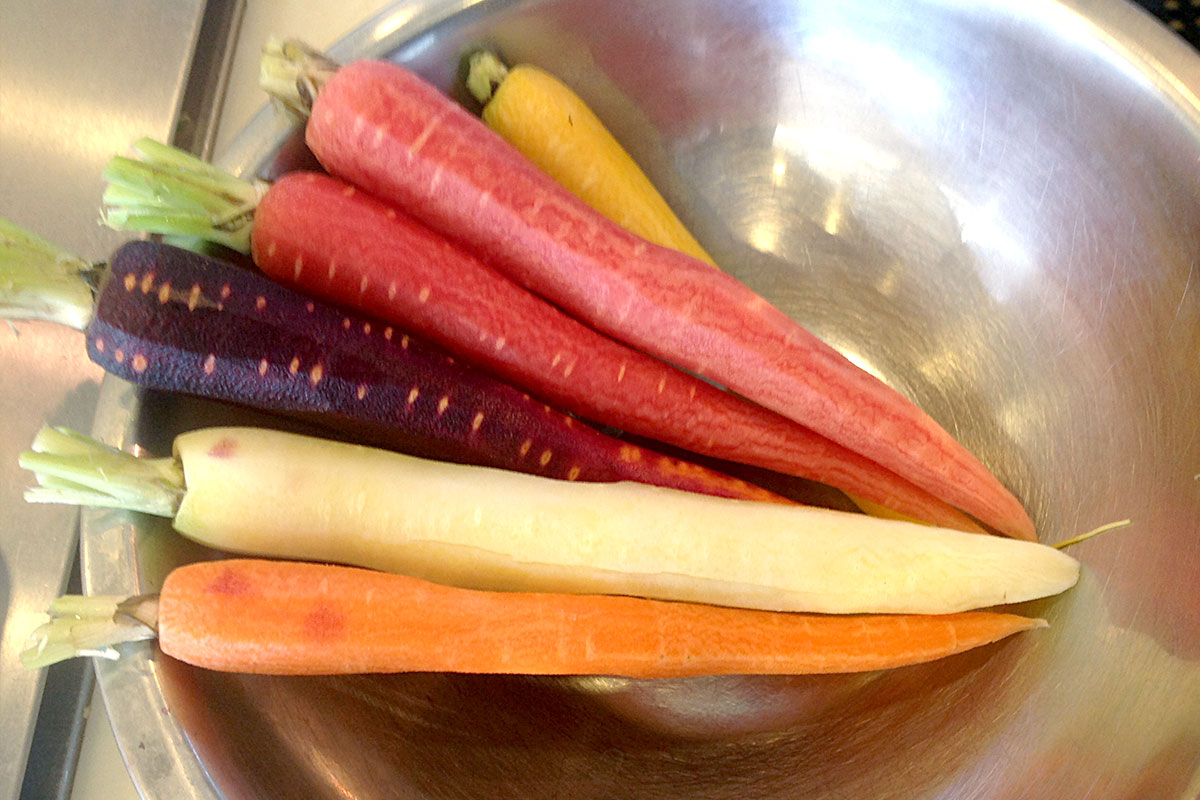Easy Roasted Rainbow Carrots